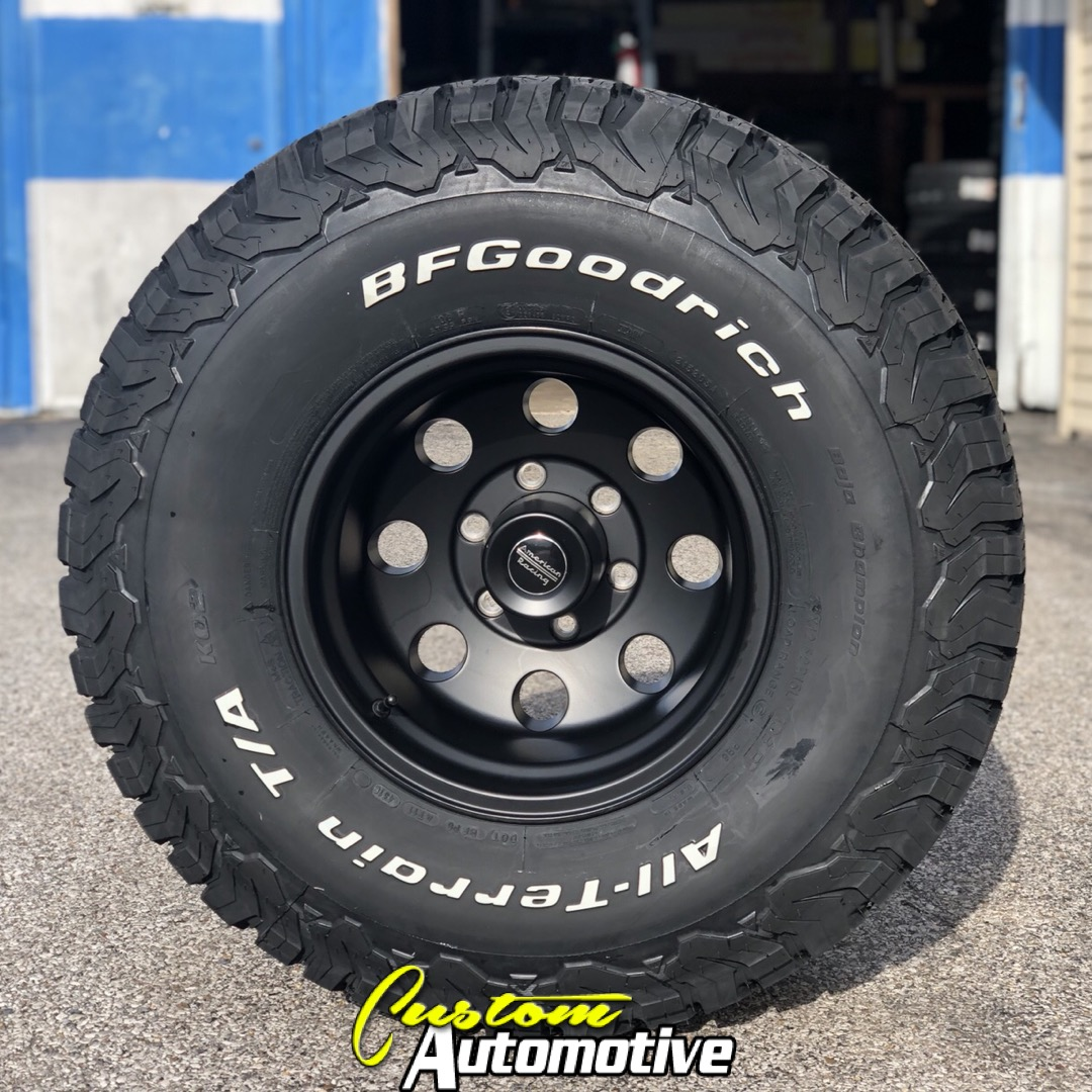 15x10 American Racing 172B Black - 33x12.50r15 BFGoodrich All Terrain AT KO2
