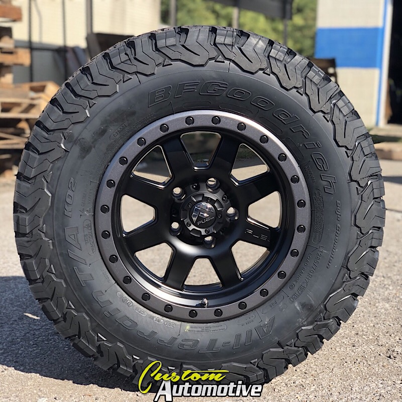17x8.5 Fuel Trophy D551 Matte Black with Anthracite Bead Lock - LT285/70r17 BFGoodrich KO2 All Terrain (6 ply)