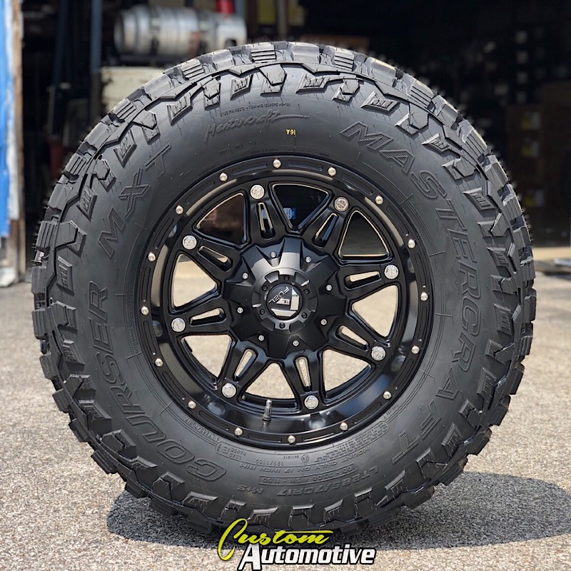 17x9 Fuel Hostage D531 Black - LT285/70r17 Mastercraft Courser MXT