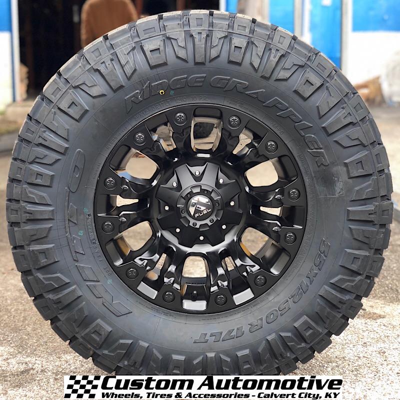 17x9 Fuel Offroad Vapor D560 Black - 35x12.50r17 Nitto Ridge Grappler