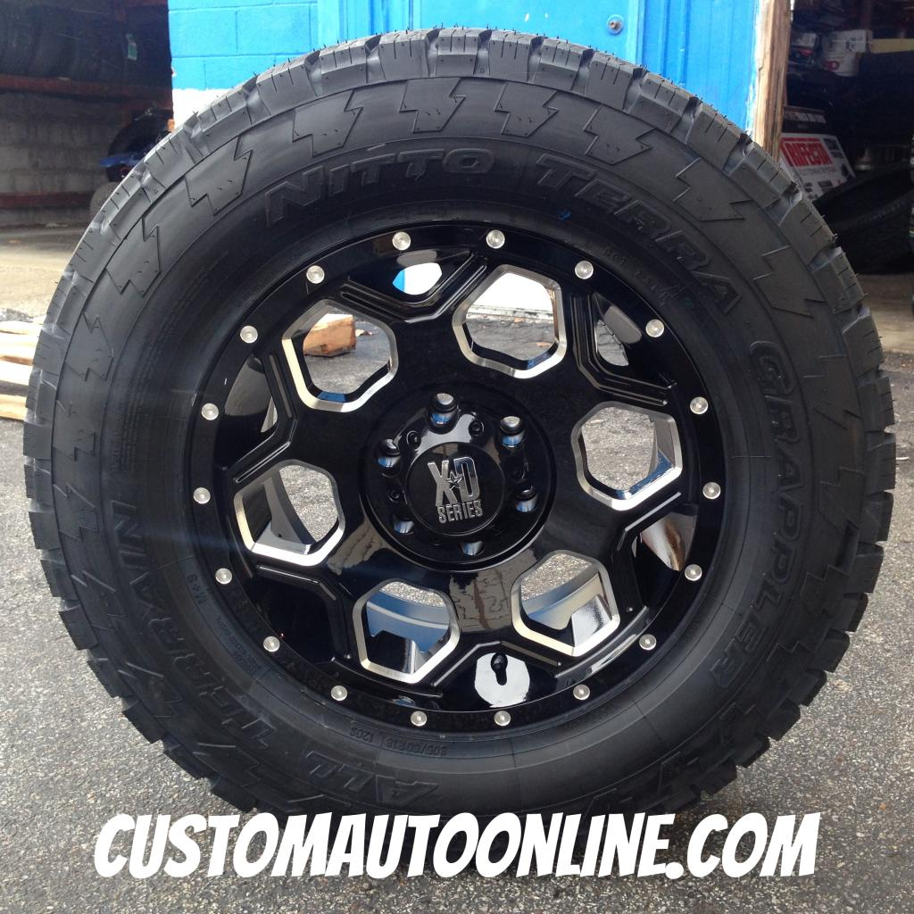 18x9 XD Series 813 Batallion Black - 305/60r18 Nitto Terra Grappler