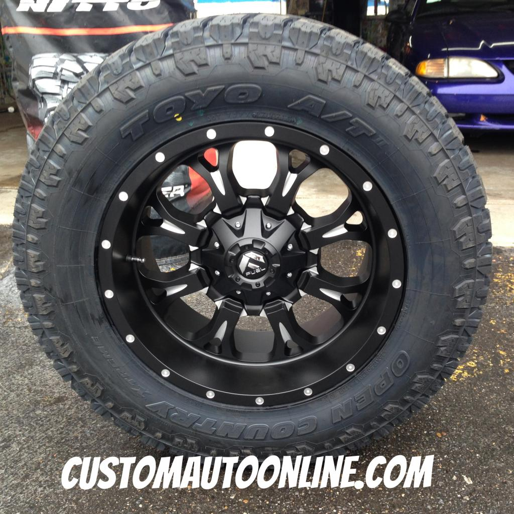 20x10 Fuel Krank D517 Black/Milled - 35x12.50r20 Toyo Open Country AT II