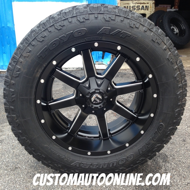 20x10 Fuel Offroad Maverick D538 Black - LT305/55r20 Toyo Open Country AT2