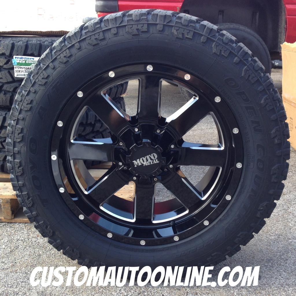 20x9 Moto Metal 962 Black - LT285/55r20 Toyo Open Country At2 Extreme