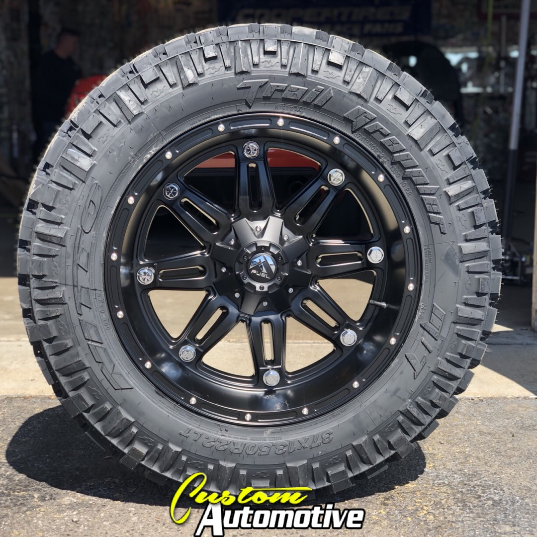 22x11 Fuel Offroad Hostage D531 Black - 37x13.50r22 Nitto Trail Grappler MT